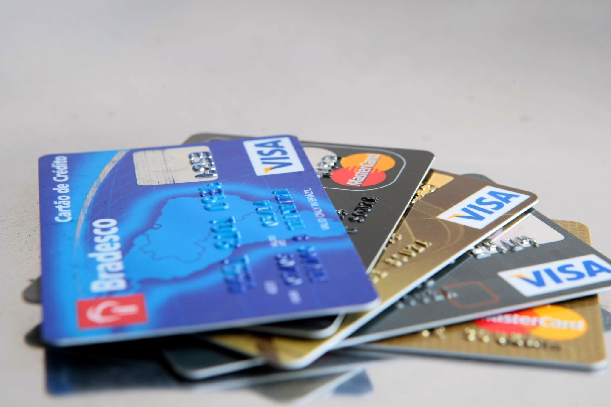 Resultado de imagem para cartão de credito