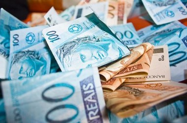 Conta de serviços essenciais: o segredo para nunca mais pagar taxas bancárias